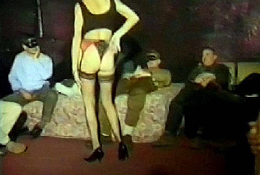 Premier porno pour une jeune fille a gros seins - 1 8
